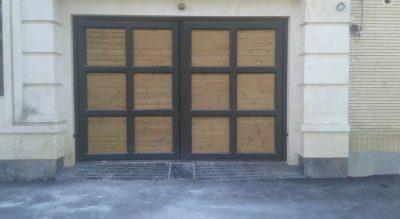 اجرای در ورودی ساختمان با چوب ترمو